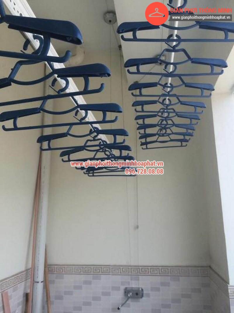 Giàn phơi thông minh nhà anh Lượng phòng 1302 tòa C Văn Phú 09