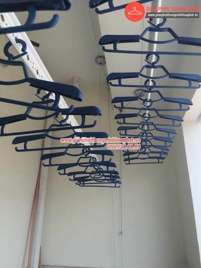 Giàn phơi thông minh nhà anh Lượng phòng 1302 tòa C Văn Phú 10