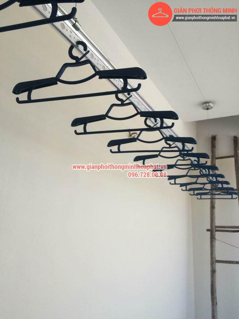 Giàn phơi quần áo nhà anh Thành số 55 ngách 642/32 phố Nguyễn Văn Cừ 11
