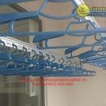 Chị Nga lắp giàn phơi phòng 1212 tòa B số 102 Thái Thịnh, Đống Đa, Hà Nội