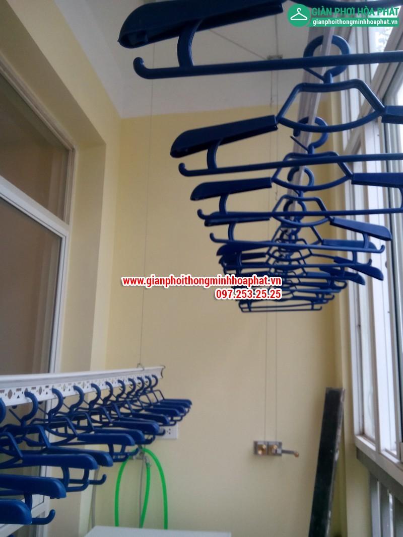 Nhà A.Văn lắp giàn phơi thông minh phòng 505 No6B2 Cầu Giấy 08