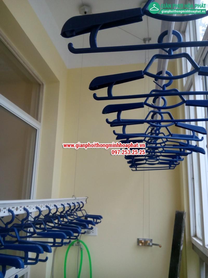 Nhà A.Văn lắp giàn phơi thông minh phòng 505 No6B2 Cầu Giấy 09