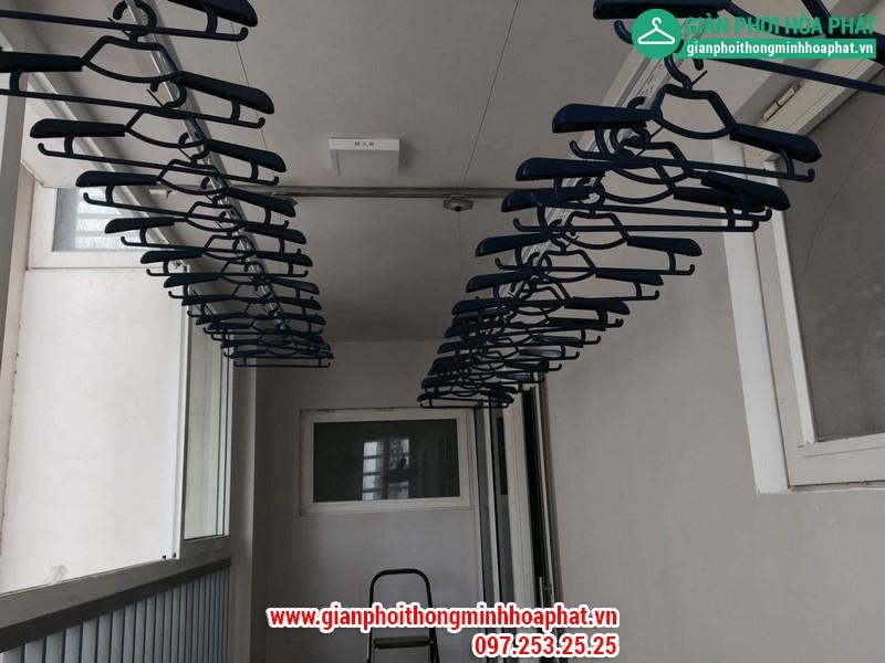 Giàn phơi thông minh nhà chị Thanh P504 nhà L1 Ciputra Hà Nội 11