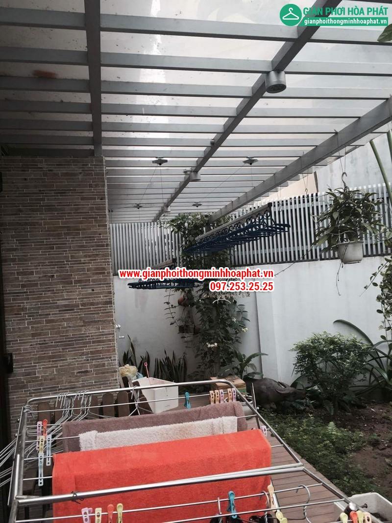 Nhà chi Thanh lắp giàn phơi thông minh nhà B4 TT4 khu nhà ở Quốc Hội 03