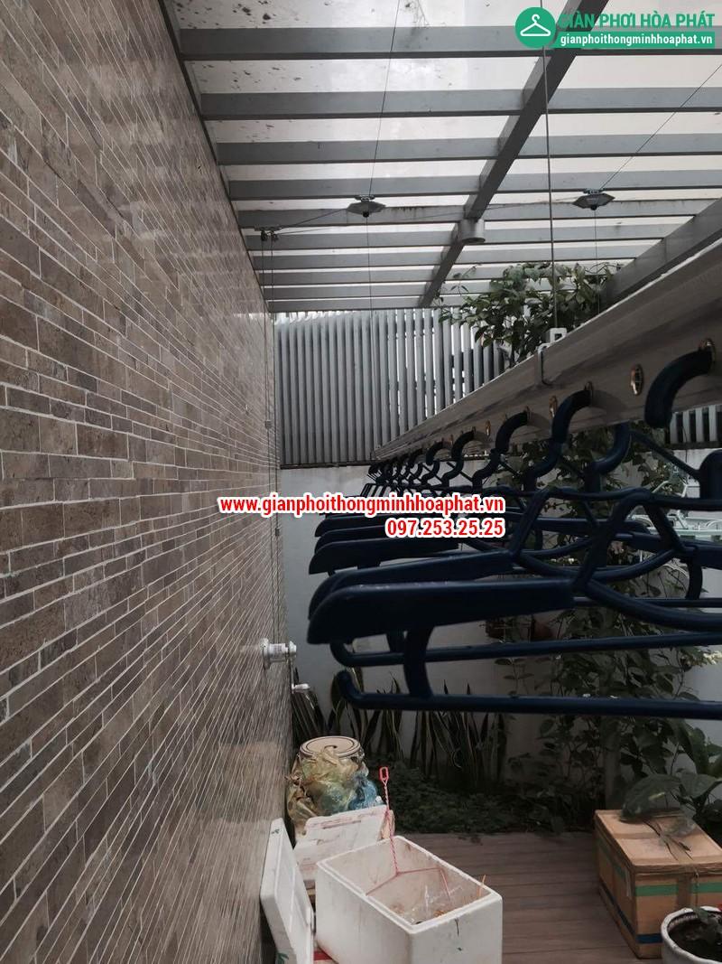 Nhà chi Thanh lắp giàn phơi thông minh nhà B4 TT4 khu nhà ở Quốc Hội 07