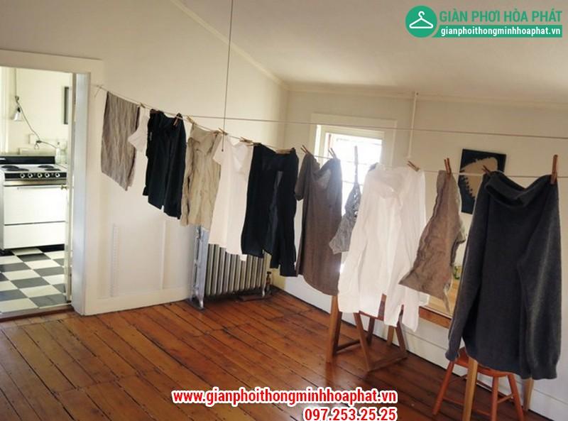 Quần áo mùa đông thường rất lâu khô và có mùi hôi.