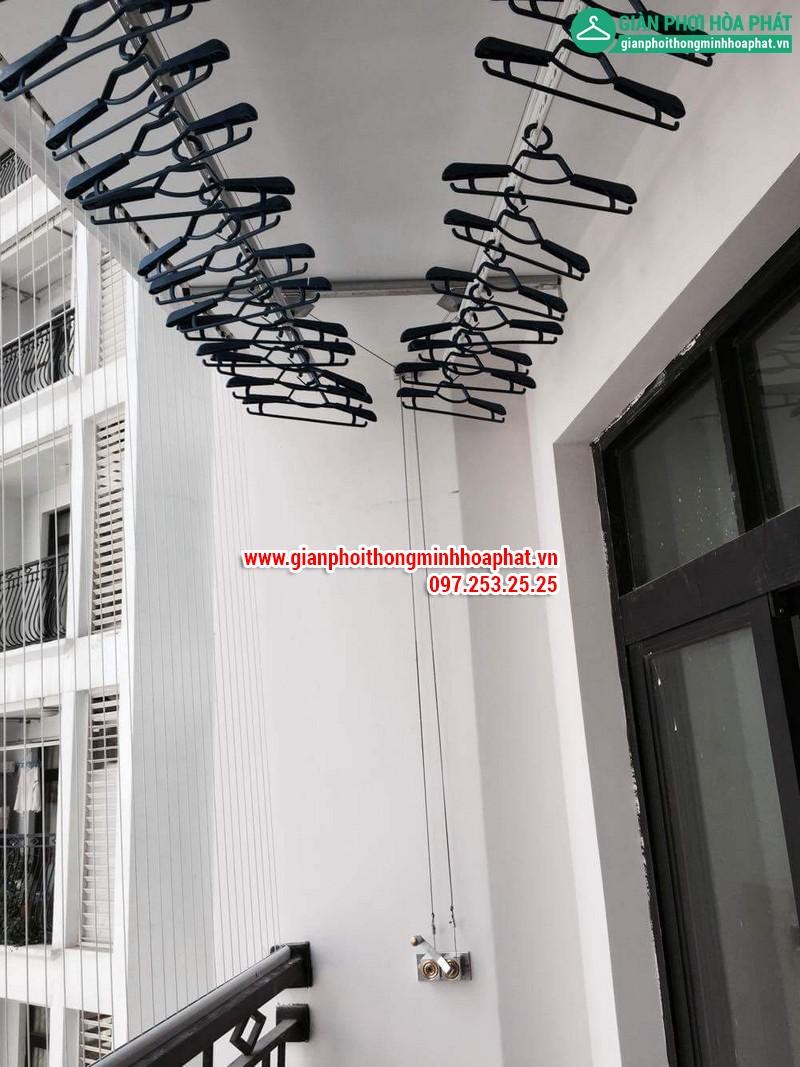 Lắp giàn phơi thông minh nhà chị Linh P2806 tòa R2B Royal City 01