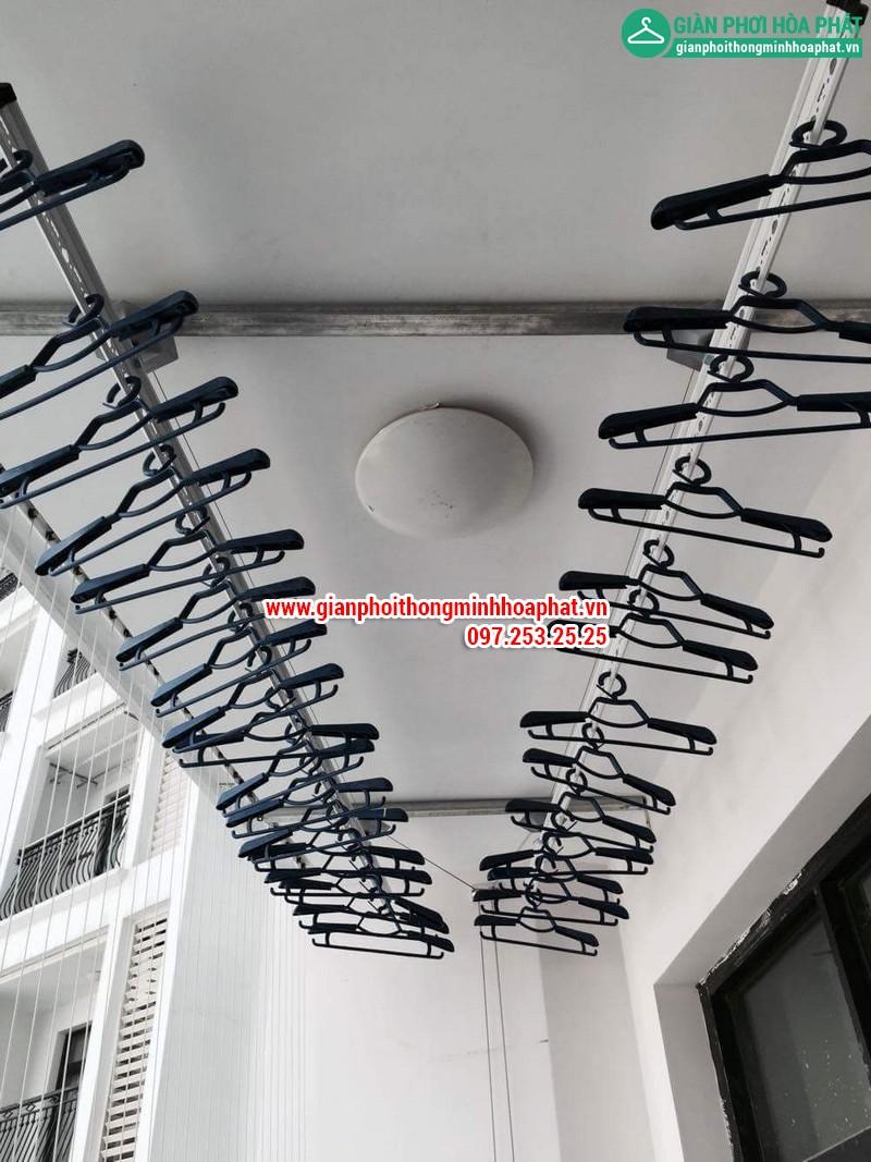 Lắp giàn phơi thông minh nhà chị Linh P2806 tòa R2B Royal City 02