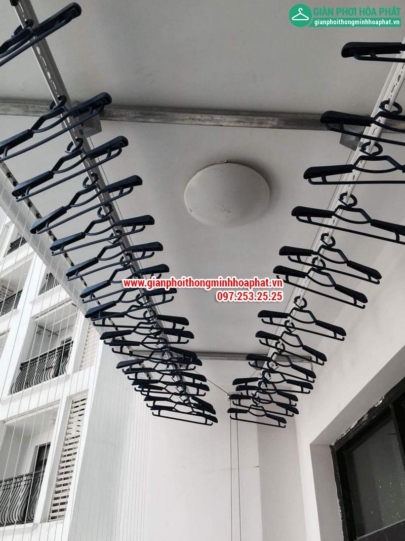 Lắp giàn phơi thông minh nhà chị Linh P2806 tòa R2B Royal City 05
