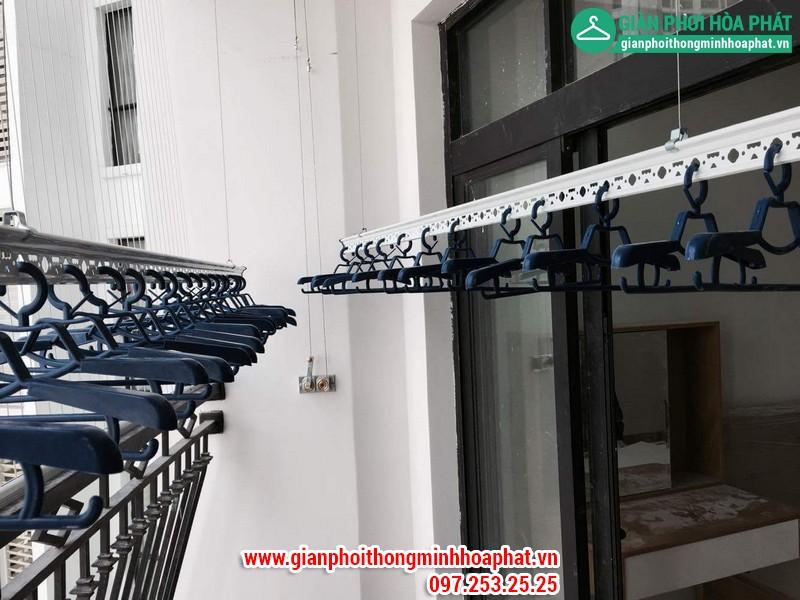 Lắp giàn phơi thông minh nhà chị Linh P2806 tòa R2B Royal City 06