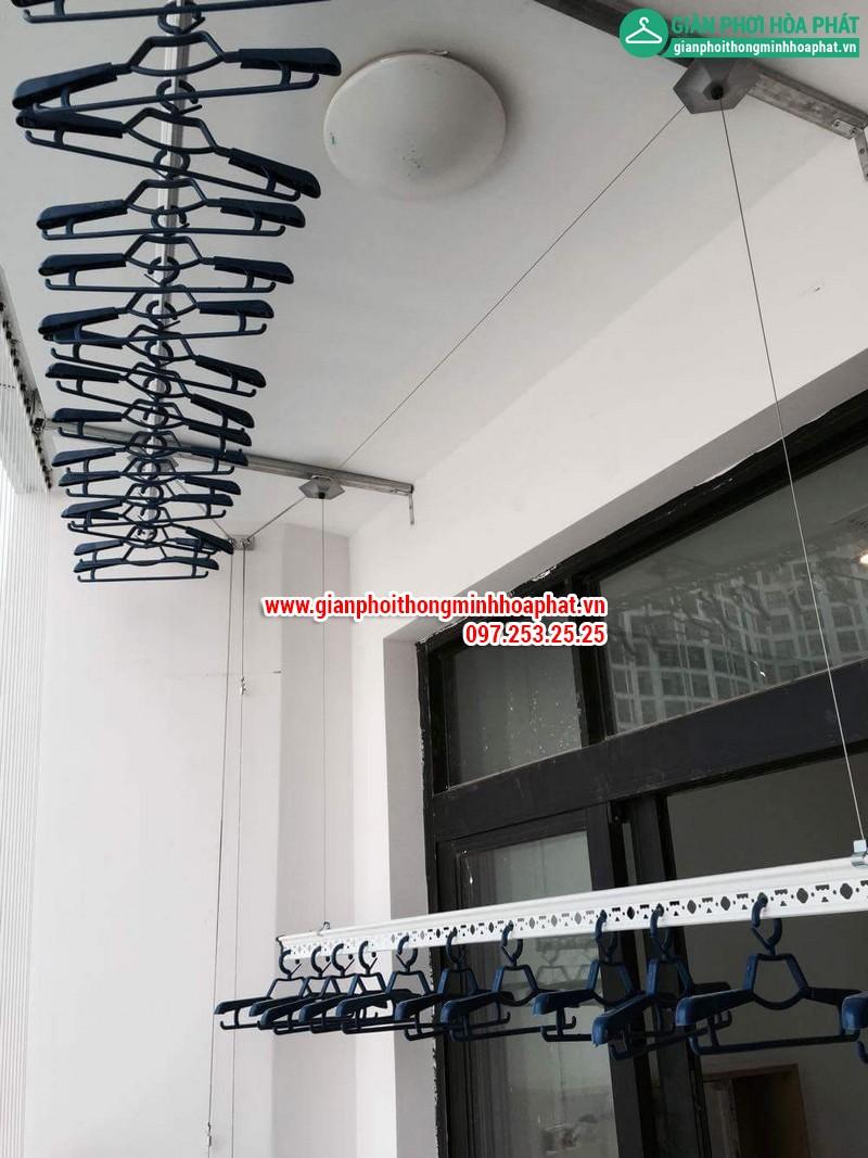 Lắp giàn phơi thông minh nhà chị Linh P2806 tòa R2B Royal City 09