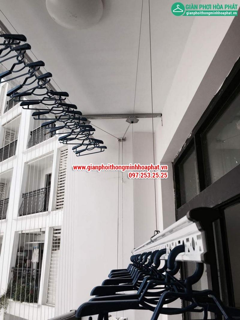 Lắp giàn phơi thông minh nhà chị Linh P2806 tòa R2B Royal City 11