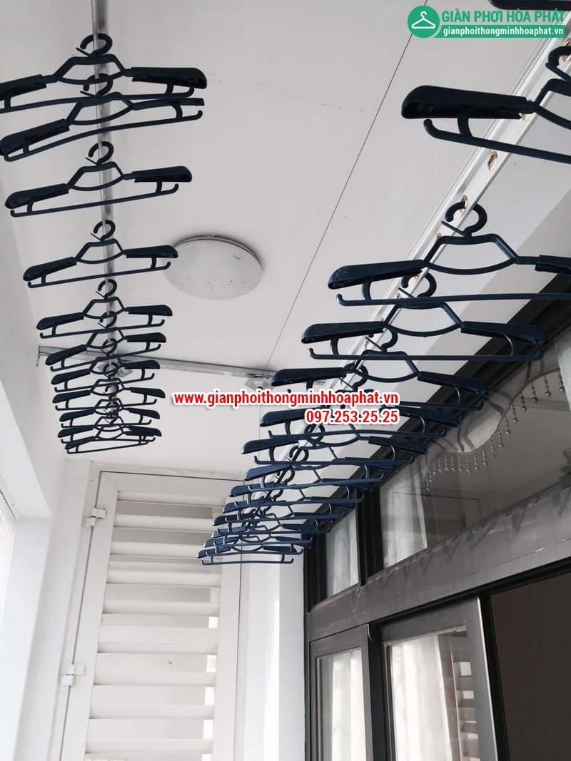 Lắp giàn phơi thông minh nhà chị Linh P2806 tòa R2B Royal City 14