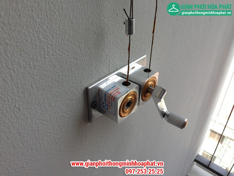 Nhà chị Gấm lắp giàn phơi thông minh P2132 tòa CT3 Tây Nam Linh Đàm 01