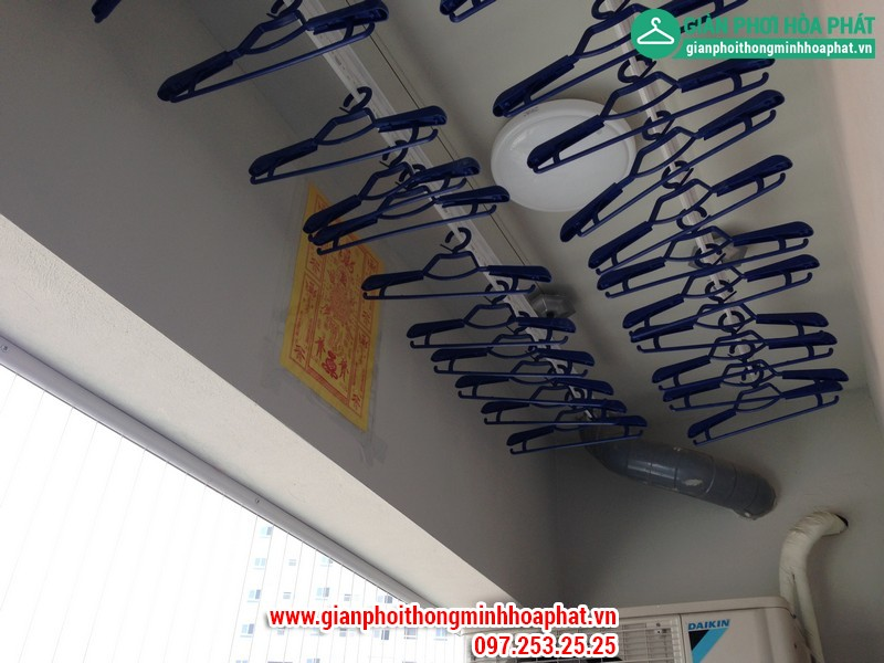 Nhà chị Gấm lắp giàn phơi thông minh P2132 tòa CT3 Tây Nam Linh Đàm 04