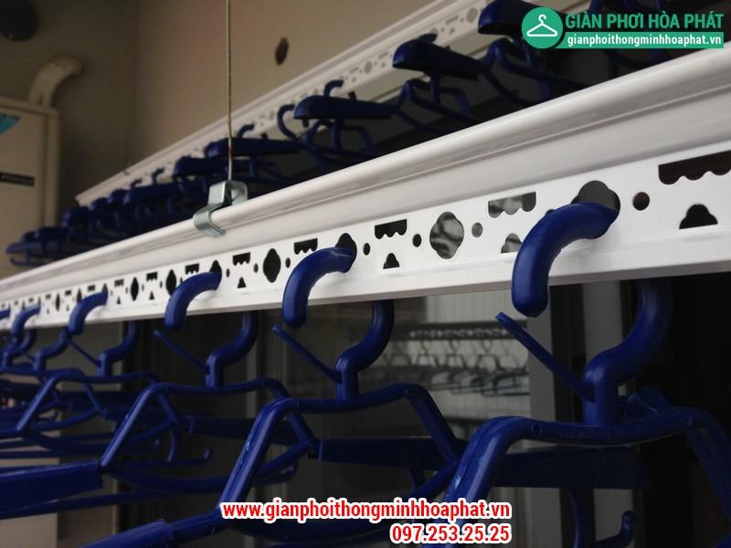 Nhà chị Gấm lắp giàn phơi thông minh P2132 tòa CT3 Tây Nam Linh Đàm 07