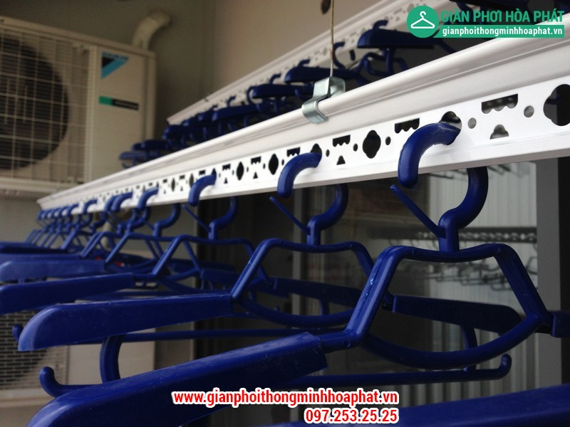 Nhà chị Gấm lắp giàn phơi thông minh P2132 tòa CT3 Tây Nam Linh Đàm 08