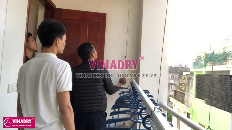 giàn phơi thông minh gắn trần mẫu mới Vinadry có thiết kế nhỏ gọn, sang trọng