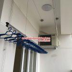 Không gian phơi đẹp với giàn phơi thông minh nhà chị Nga, P1406, nhà C, tòa  Golden Pack, Từ Liêm, Hà Nội