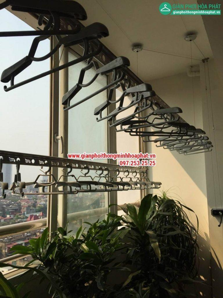 Không gian phơi ngập màu xanh nhà cô Đại P902, Tòa A, 102 Thái Thịnh