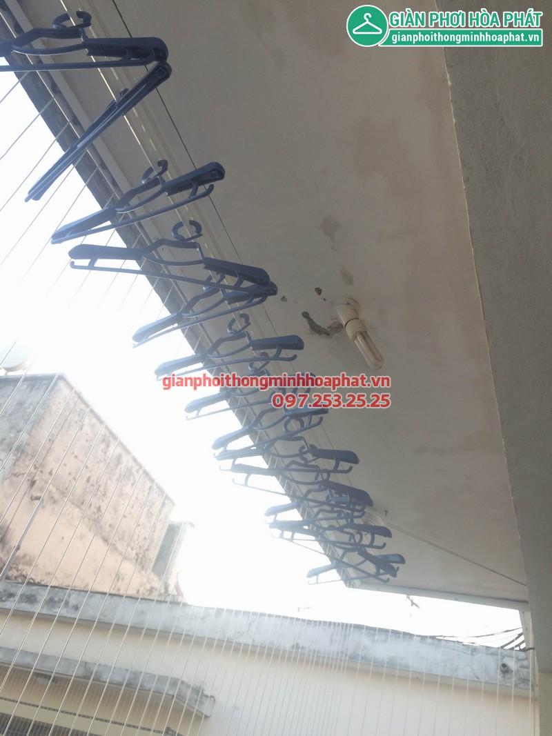 Kết hợp giàn phơi thông minh và lưới an toàn ban công nhà chị Hà P1714, Tòa OCT1, KĐT Bắc Linh Đàm