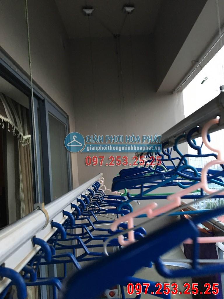Lắp giàn phơi thông minh Hòa Phát p1302 chung cư HH2 ngõ 102 Trường Chinh 02