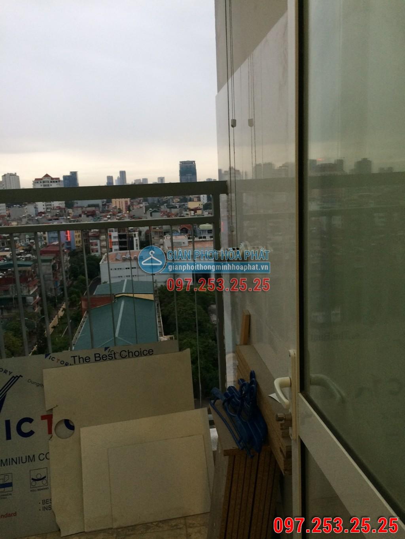 Chị Trinh lắp giàn phơi Hòa Phát p12a15 chung cư 30 Phạm Văn Đồng 01