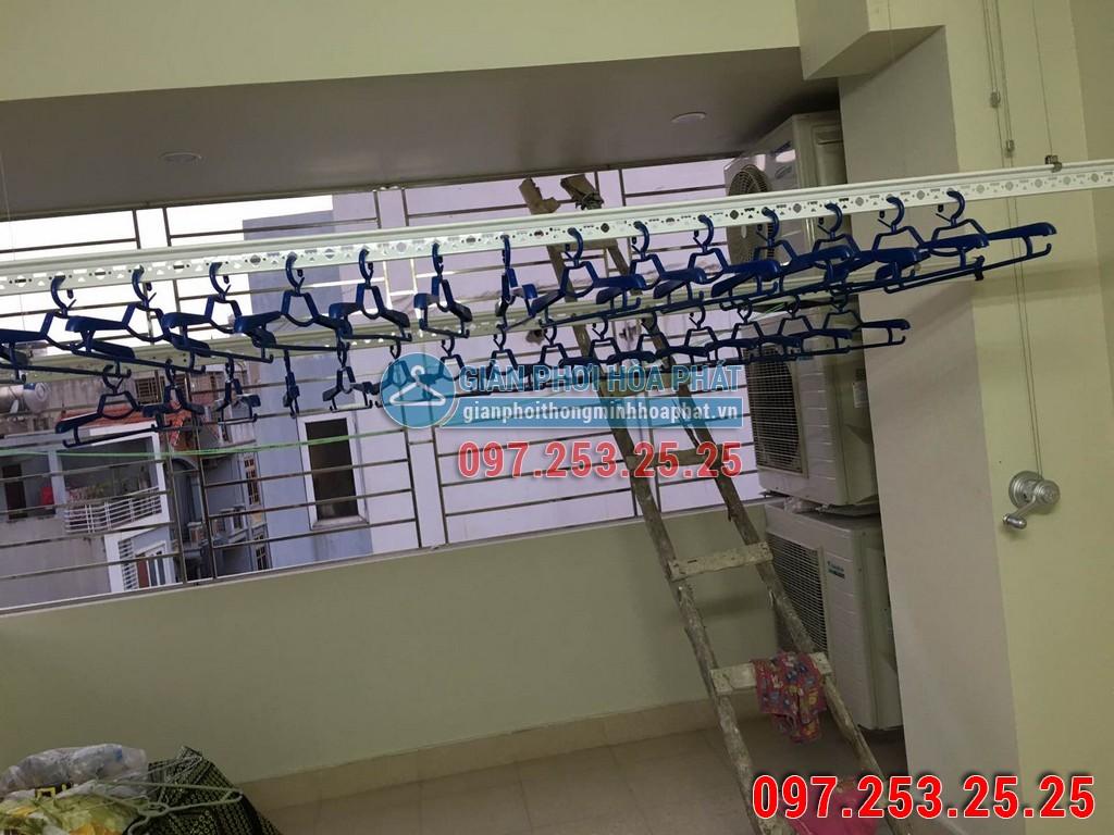 Chị Trang lắp giàn phơi Hòa Phát số 637B phố Quang Trung, Hà Đông 05
