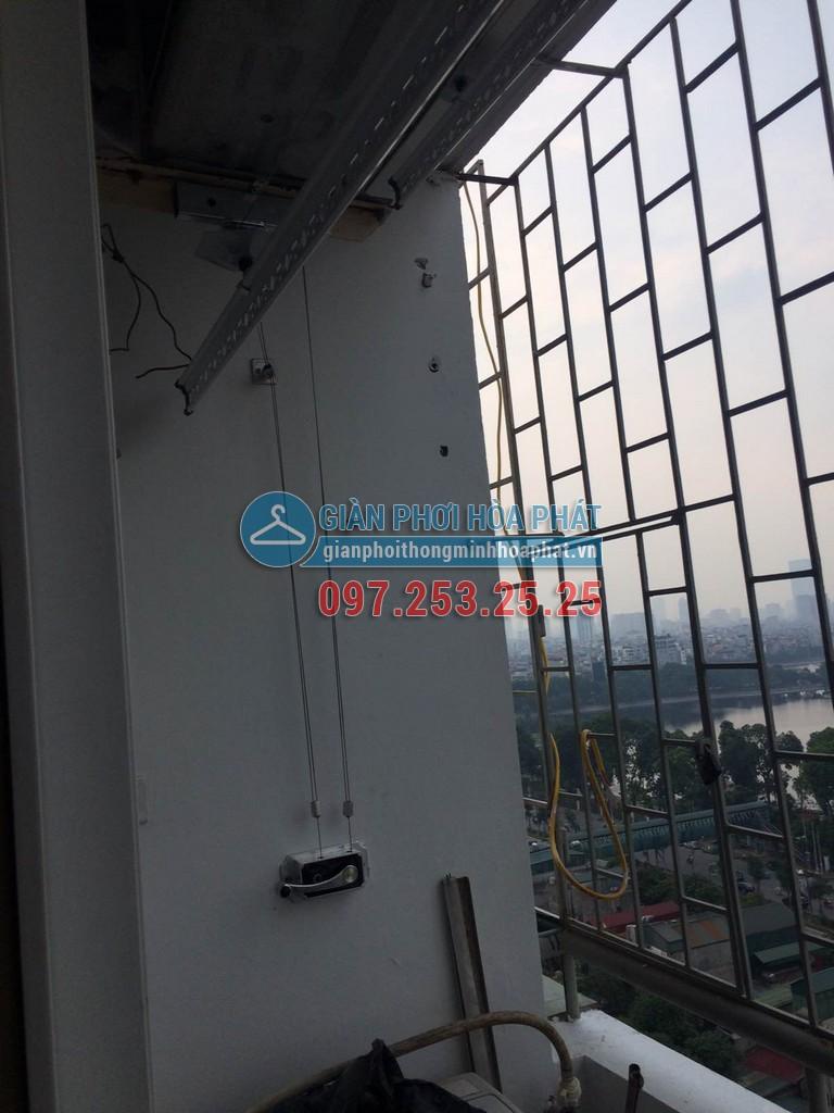 Chị Chi lắp giàn phơi thông minh giá rẻ chung cư 8C số 30 Tạ Quang Bửu 03