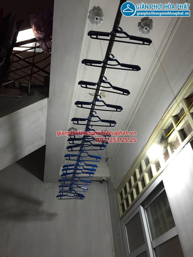 Lắp giàn phơi Hòa Phát phố Minh Khai 04