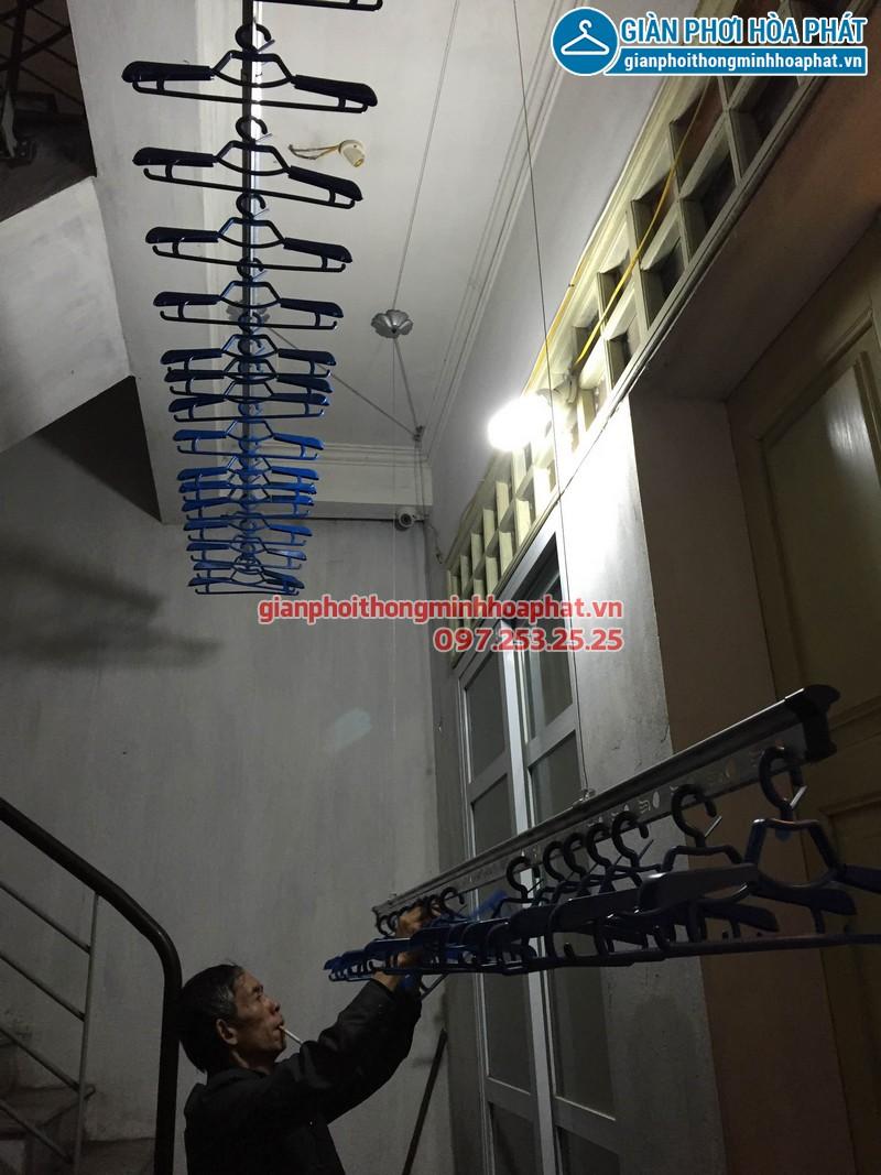 Lắp giàn phơi thông minh Hòa Phát phố Minh Khai 08