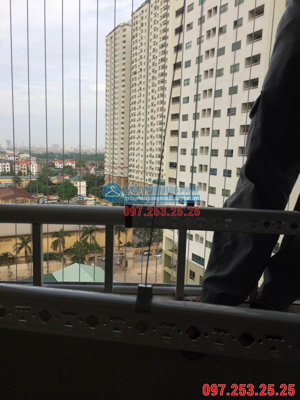 Nhà anh Tuấn lắp giàn phơi thông minh P914 tòa B chung cư Sông Nhuệ 03