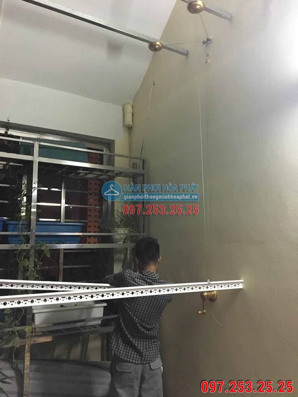Nhà cô Loan lắp giàn phơi thông minh Hòa Phát LP15 kđt Nam Thanh ngõ 219 Trung Kính 05