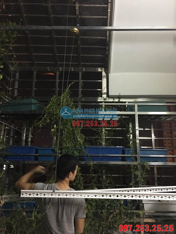 Nhà cô Loan lắp giàn phơi thông minh Hòa Phát LP15 kđt Nam Thanh ngõ 219 Trung Kính 06
