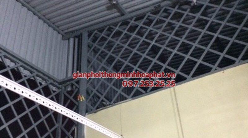 Lắp giàn phơi thông minh trần mái tôn nhà chị Hằng, ngõ 213,Trần Đại Nghĩa