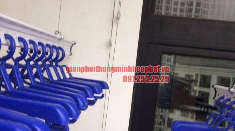 Giàn phơi nhà chị Vân P1605 nhà R4 Royal City, Thanh Xuân, Hà Nội