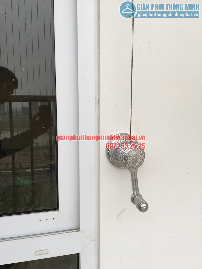 Hoàn thiện lắp đặt giàn phơi nhà cô Nguyệt chung cư Đông Đô, Hoàng Quốc Việt, Cầu Giấy, Hà Nội-05