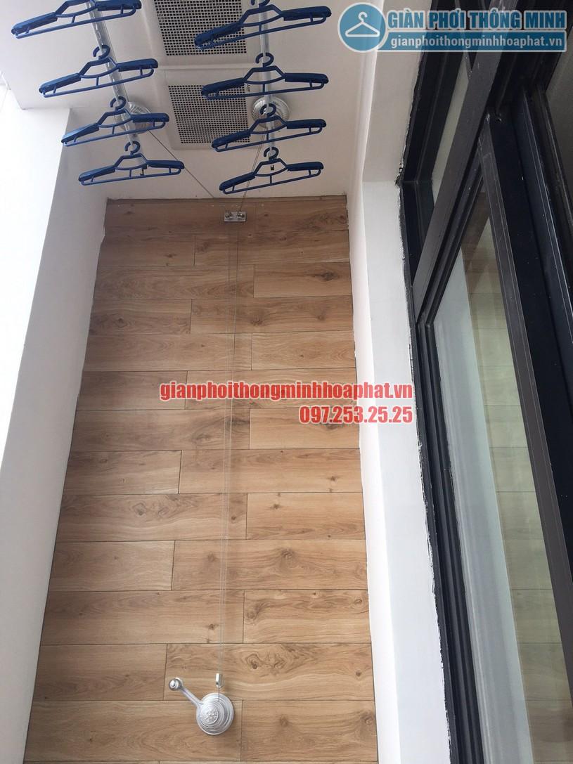 Hoàn thiện lắp đặt giàn phơi và lưới an toàn ban công chung cư nhà bác Thu, Royal City-02