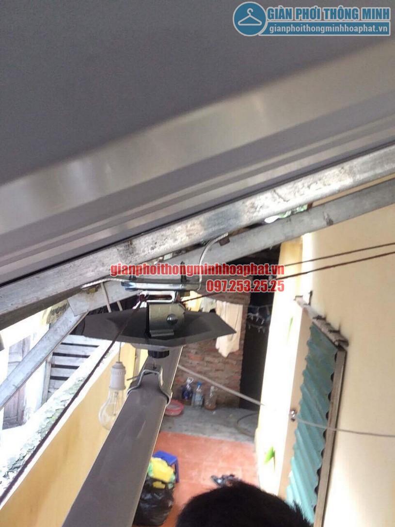 Lắp đặt bộ giàn phơi thông minh HP950 trên nền mái tôn chéo tại nhà chị Hiền Bắc Từ Liêm-01