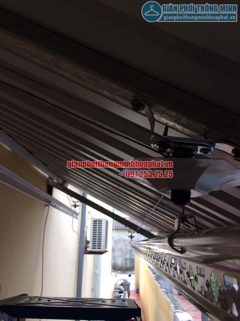 Lắp đặt bộ giàn phơi thông minh HP950 trên nền mái tôn chéo tại nhà chị Hiền Bắc Từ Liêm-02