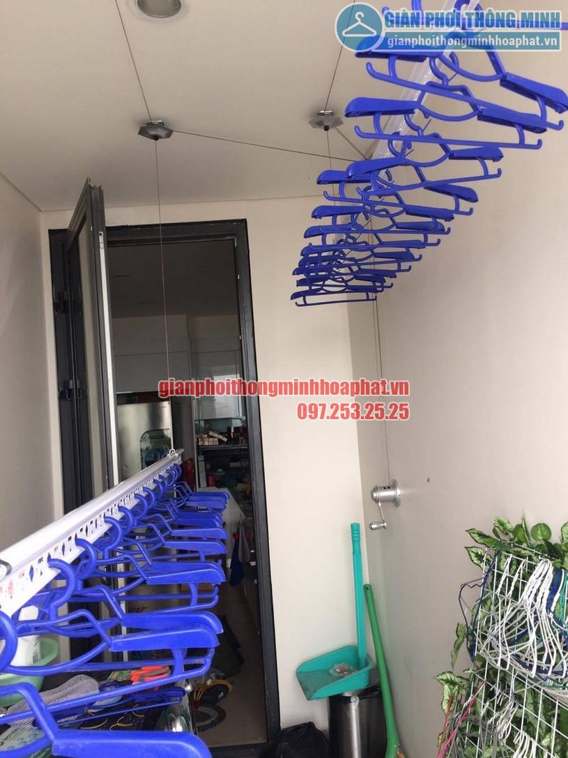 Bộ giàn phơi thông minh HP950 được lắp đặt trên trần bê tông -03