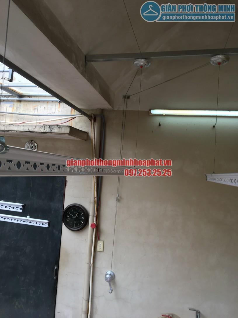 Lăp giàn phơi thông minh nhà anh Hùng trên nền mái bê tông vát -04