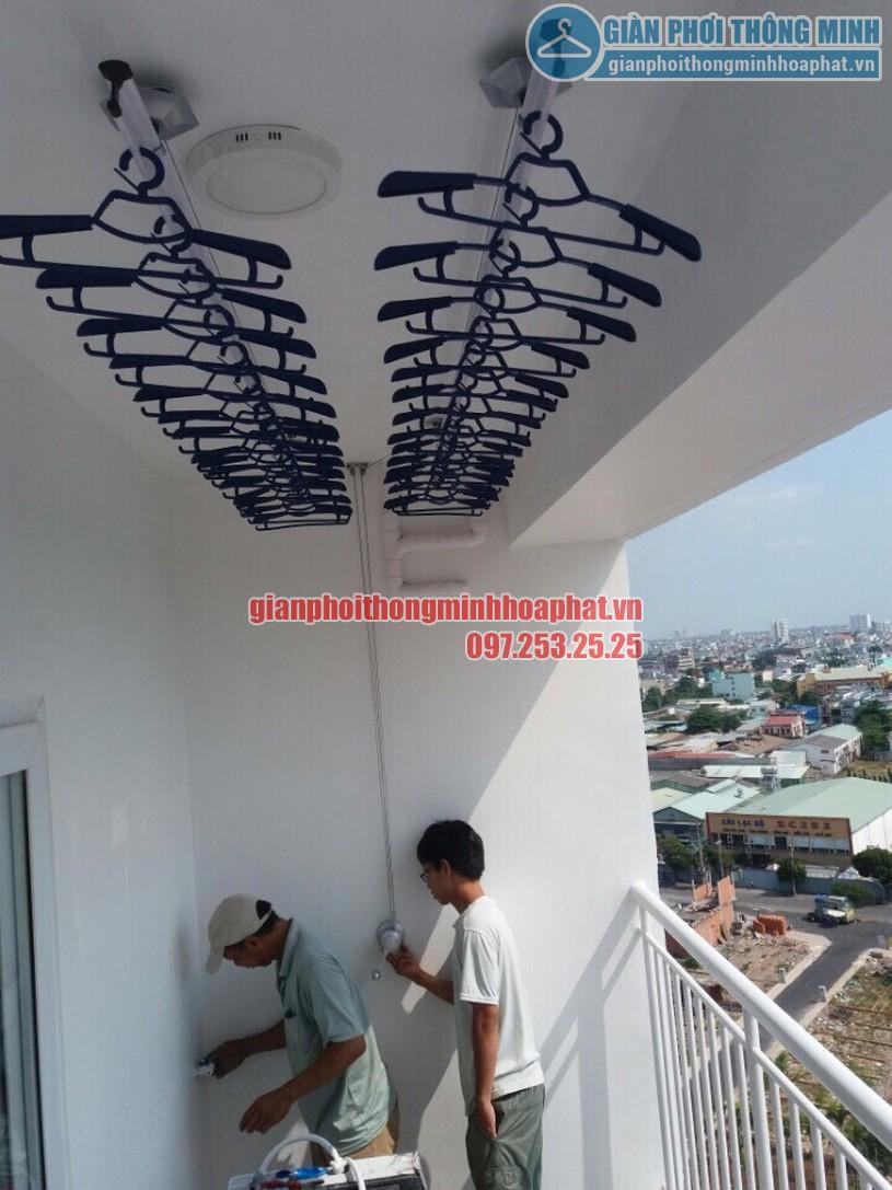 Lắp đặt giàn phơi thông minh tại ban công nhà anh Dũng căn hộ 8X Đầm Sen, quận Tân Phú, HCM-01