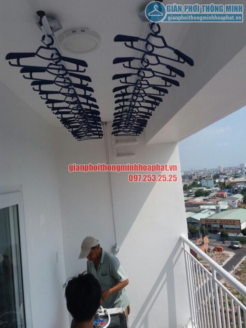 Lắp đặt giàn phơi thông minh tại ban công nhà anh Dũng căn hộ 8X Đầm Sen, quận Tân Phú, HCM-02