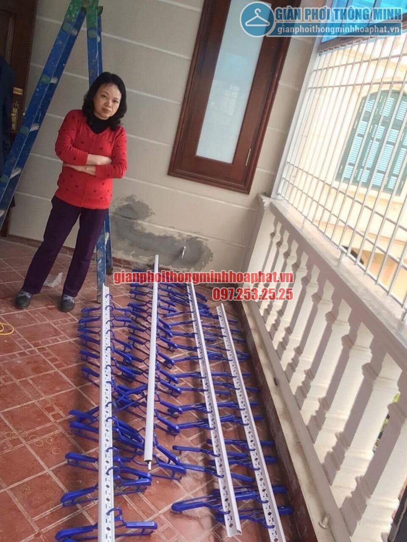 Lắp đặt giàn phơi thông minh trần mái tôn nhà cô Hồng khu biệt thự Văn Quán, Hà Đông-07