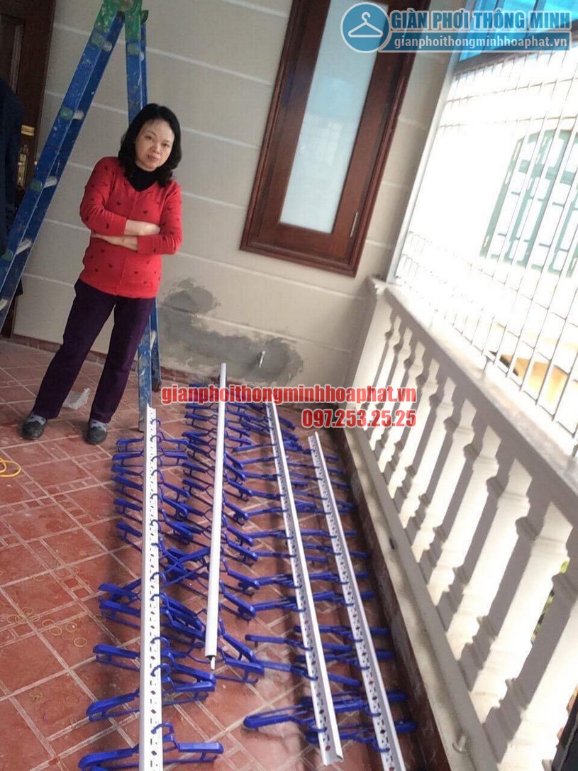 Lắp đặt giàn phơi thông minh trần mái tôn nhà cô Hồng khu biệt thự Văn Quán, Hà Đông-08