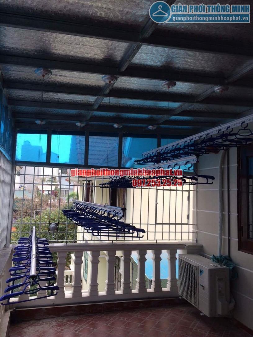 Lắp đặt giàn phơi thông minh trần mái tôn nhà cô Hồng khu biệt thự Văn Quán, Hà Đông-02