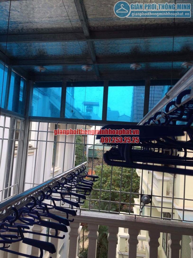 Lắp đặt giàn phơi thông minh trần mái tôn nhà cô Hồng khu biệt thự Văn Quán, Hà Đông-03