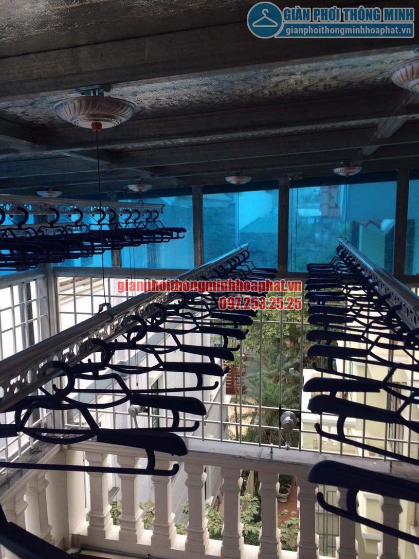 Lắp đặt giàn phơi thông minh trần mái tôn nhà cô Hồng khu biệt thự Văn Quán, Hà Đông-04