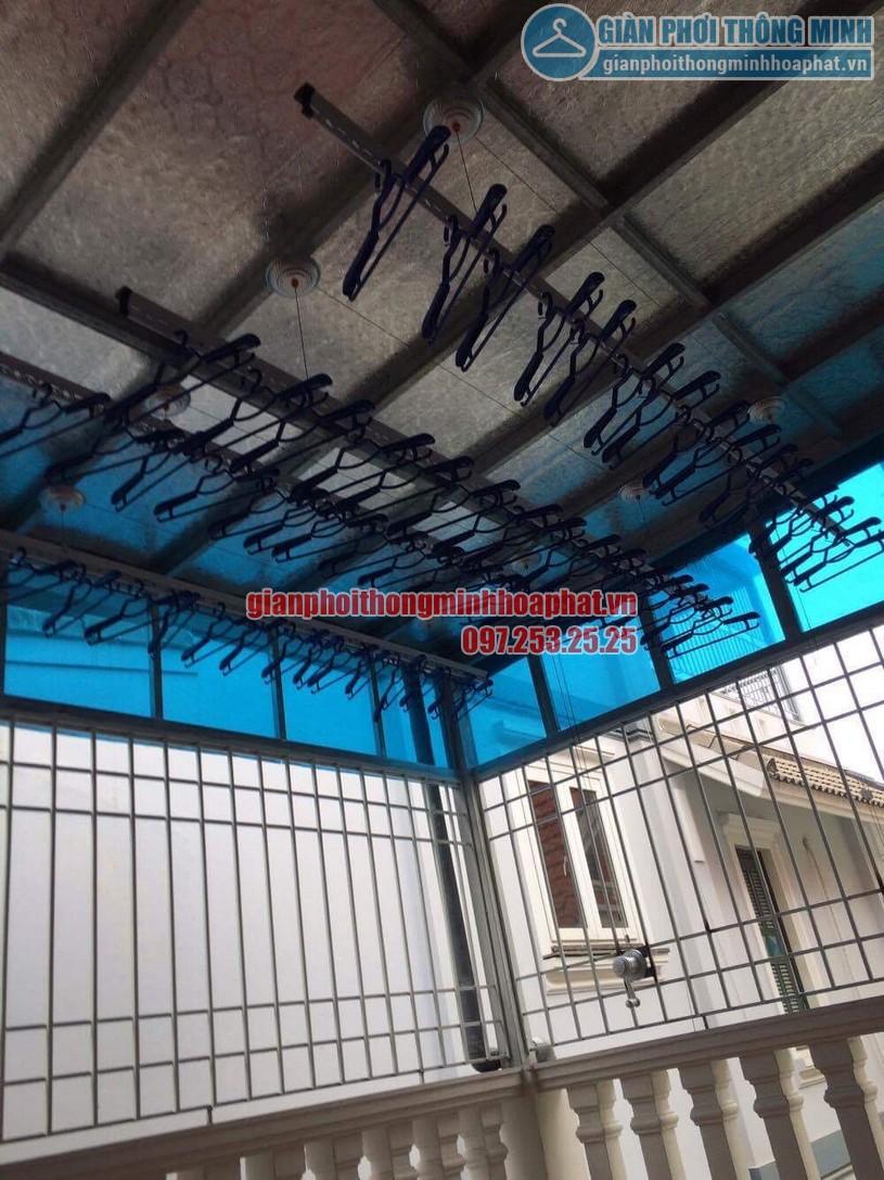 Lắp đặt giàn phơi thông minh trần mái tôn nhà cô Hồng khu biệt thự Văn Quán, Hà Đông-05
